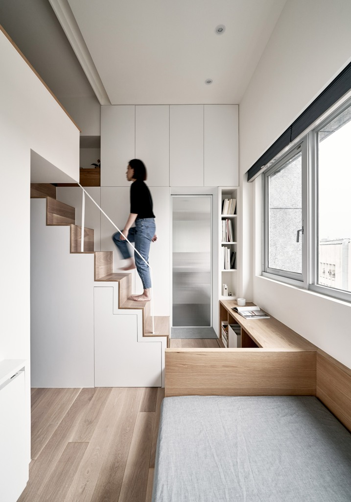 This micro apartment is only 17.6 square meters but it has everything necessary for a person to live in