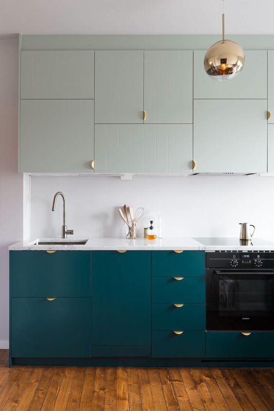 such catchy pulls are a unique and catchy idea, which is perfect for a modern or minimalist kitchen