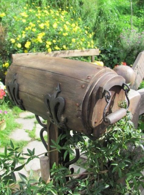 a hobbit mailbox is a cool idea for fans and geeks, besides it looks very chic and refined