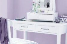 06 a dressing room done in lilac and white is a sophiticated idea with strong vintage vibes
