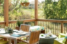 09 a small summer deck with green, neon green and turquoise touches for a bright look