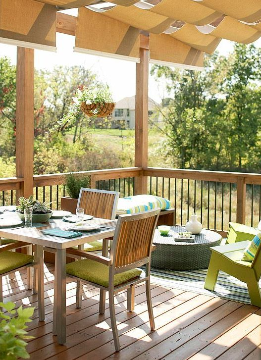 a small summer deck with green, neon green and turquoise touches for a bright look
