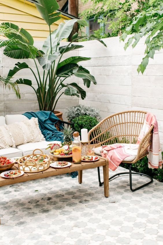 use Moroccan print tiles in the patio to make it bolder and catchier, enjoy the looks