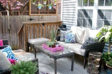 10 a super bright deck with touches of bold blue, hot pink and fresh greenery plus geometric prints