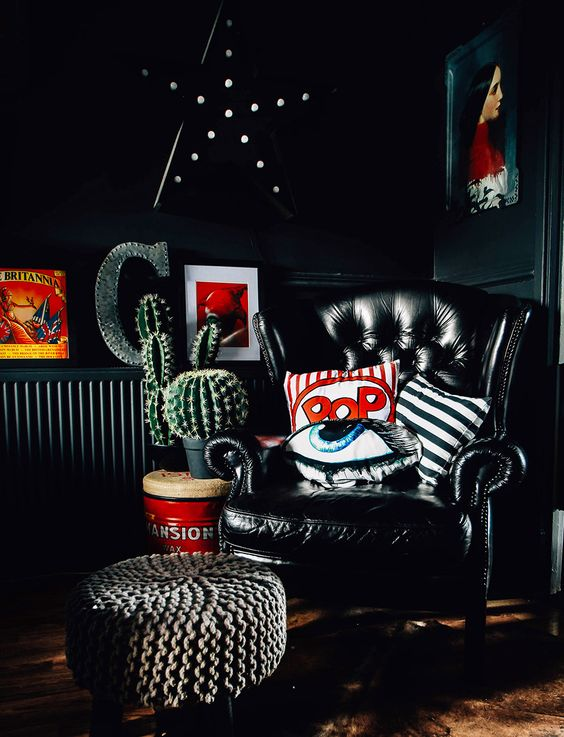 touches of white and red make this dark nook bolder, cooler and more welcoming
