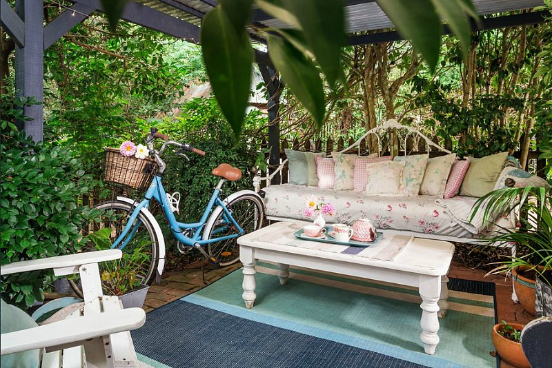 cool small terrace design