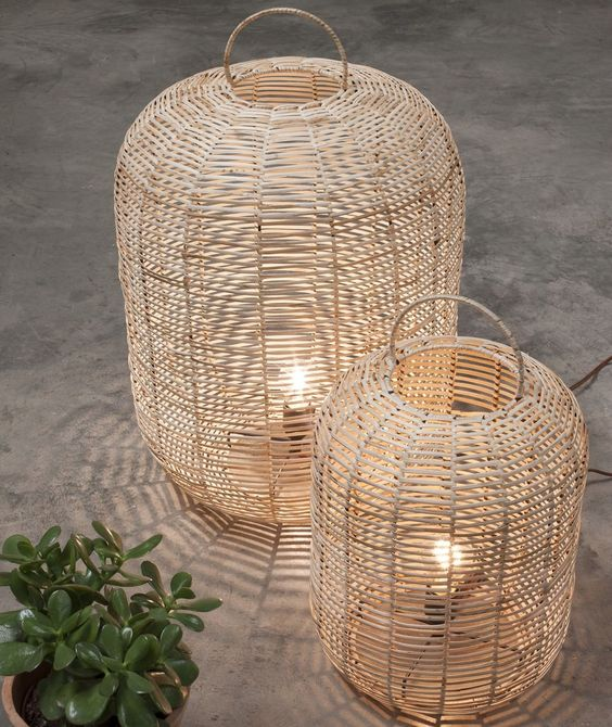 place these stylish wicker lamps on the floor or tables, handles make them more mobile