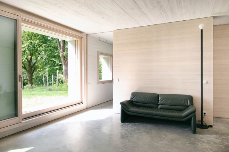 A large amount of negative space makes the house feel airy and light-filled