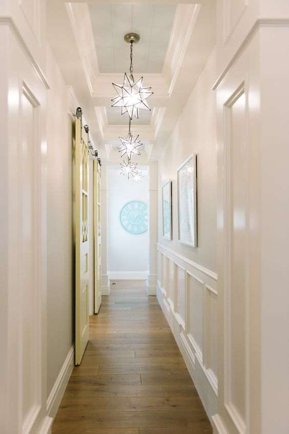 dreamy star-shaped pendant lamps will add a cute and beautiful touch to your hallway