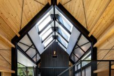 06 A series of skylights bring natural light into the upstairs volumes