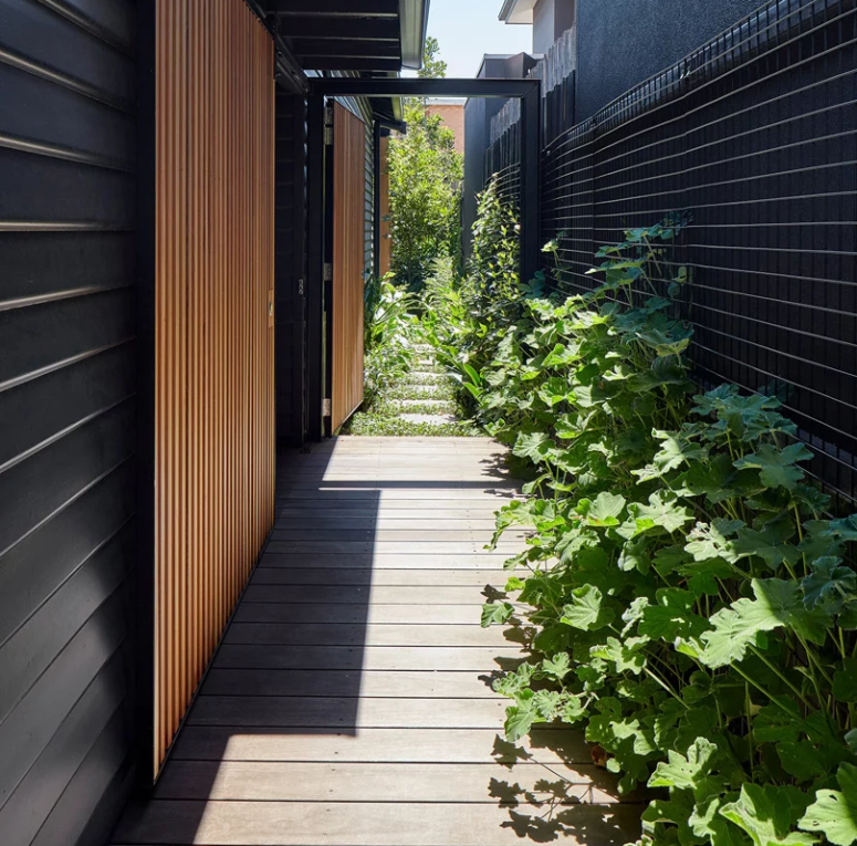 Outside you may also see traditional minimalist features that will remind you of modern Japanese architecture
