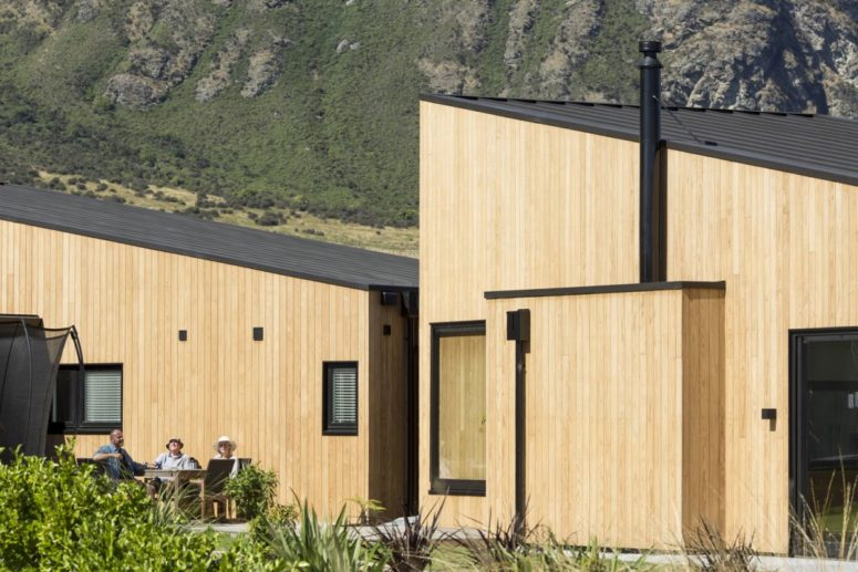The architecture of the house was inspired by the topography of the place