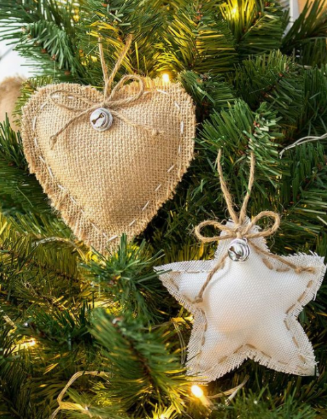 usual and white burlap Christmas ornaments with little bells and twine are super cute and rustic