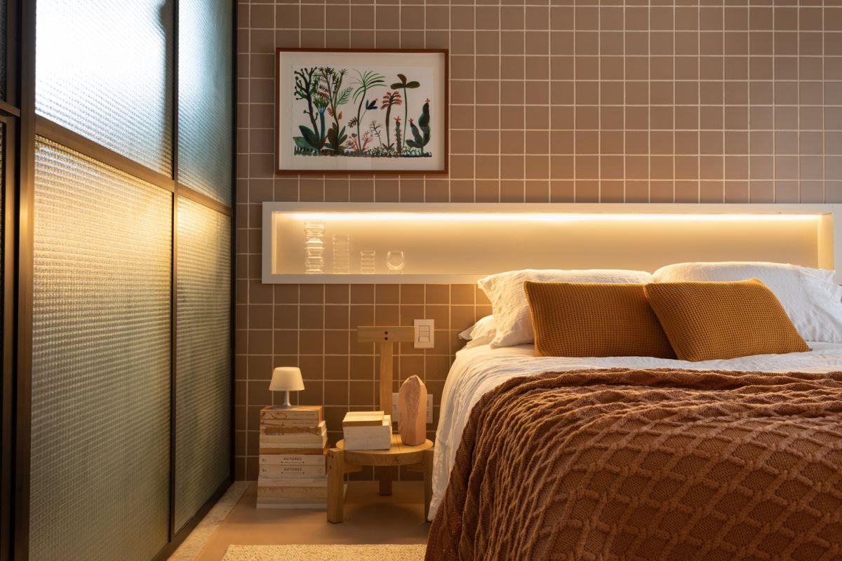 a cozy bedroom decor in warm shades