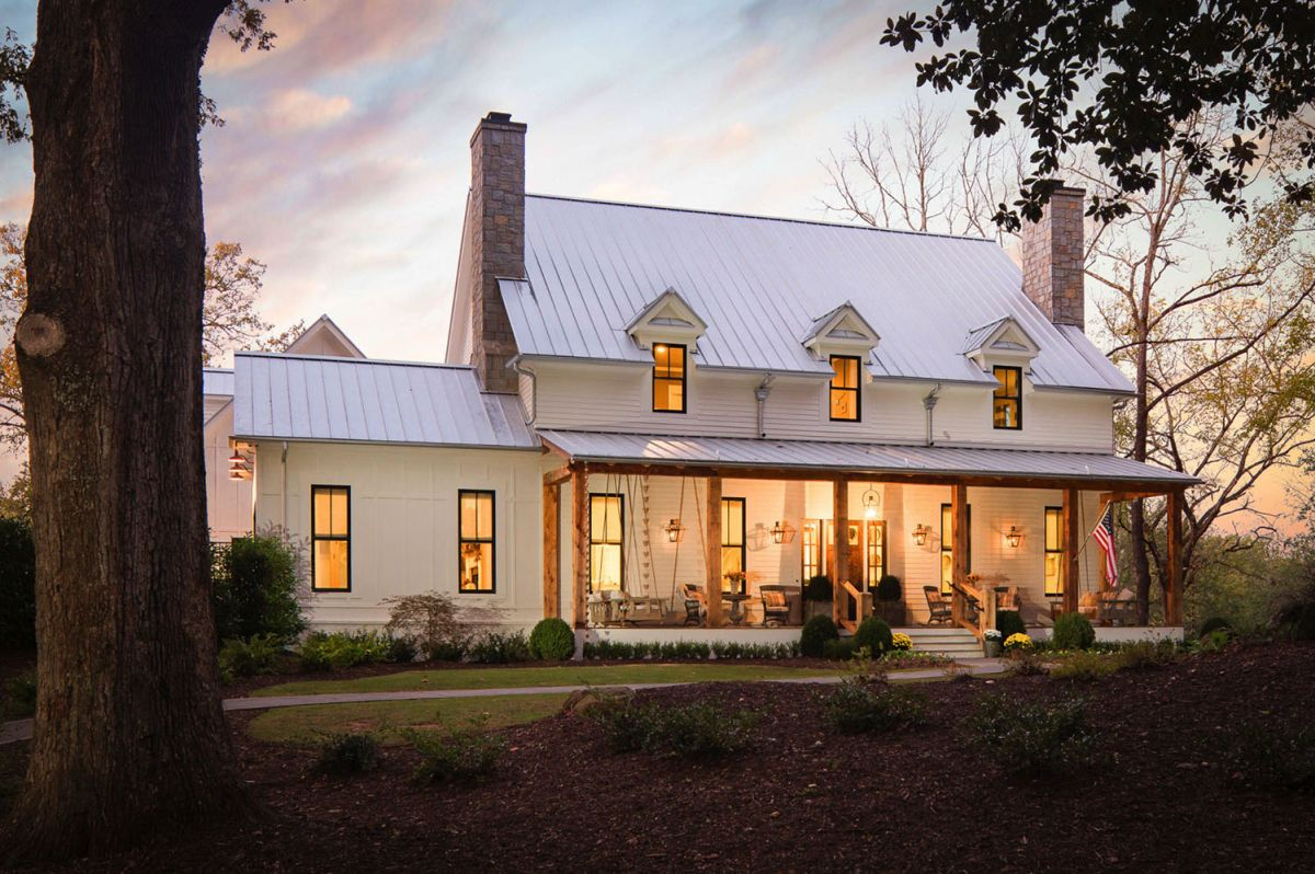 This cozy Georgia home pairs traditional rustic decor and European flair with elegance