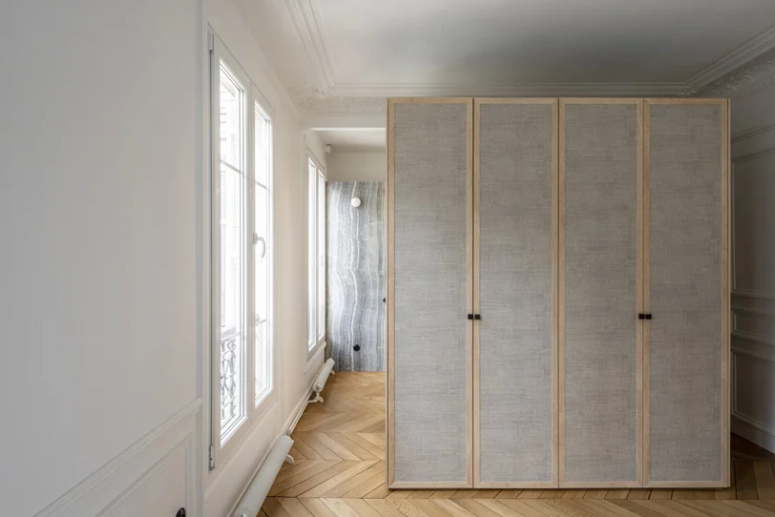 The storage is done accurately, with plywood and wooden furniture items