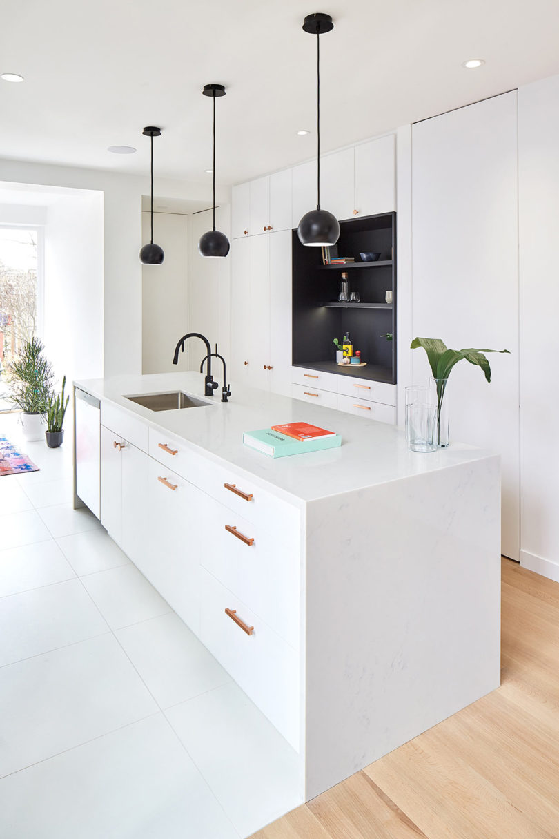 This contemporary home is a renovation of a 100 year old townhouse in Toronto
