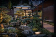 01 This contemporary home is built in the USA but it features traditional Japanese aesthetics both inside and outside