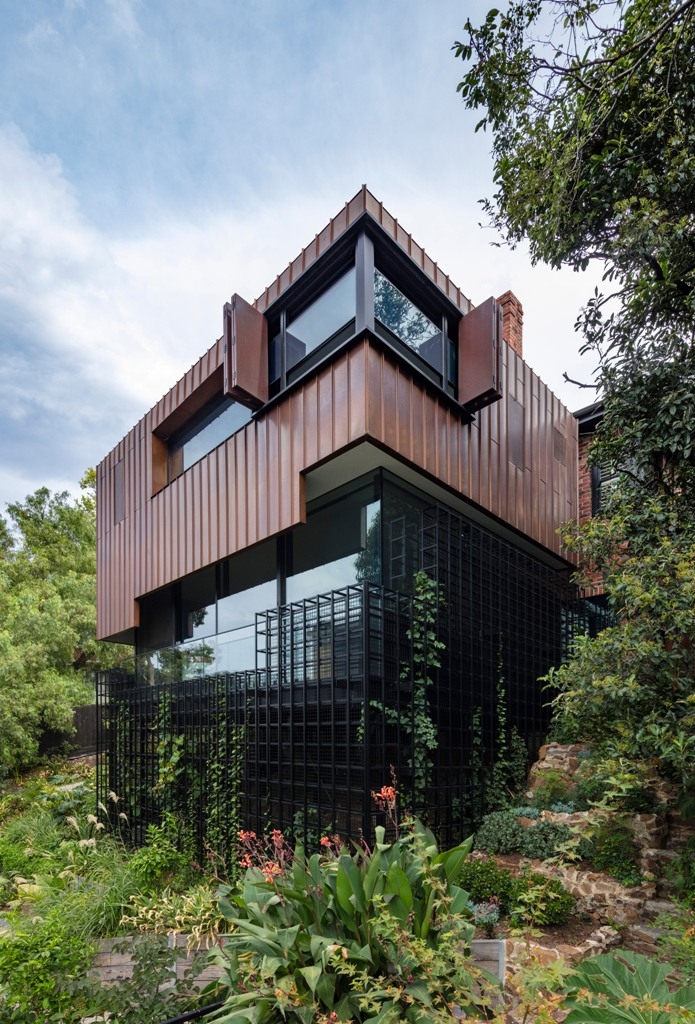 Contemporary Home Resembling A TreeHouse