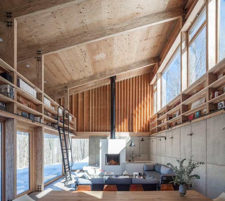 This gorgeous contemporary retreat is also a studio for its owner, an architect and it was built with a minimal impact on the natural surroundings