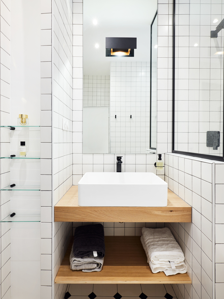 dark grout works well with white tiles
