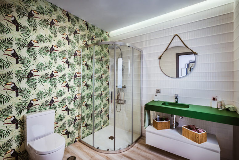 an awesome tropical-themed bathroom design
