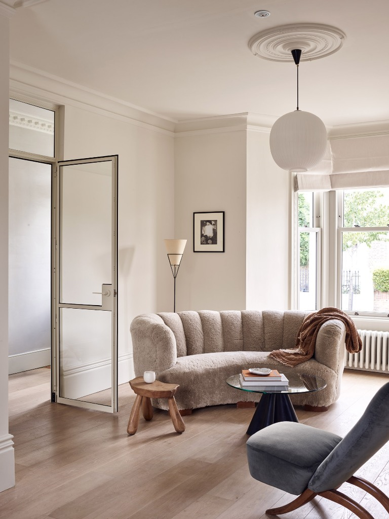 This gorgeous London townhouse was fully renovated and redone to fit the needs of the owners and make it fresh and lively