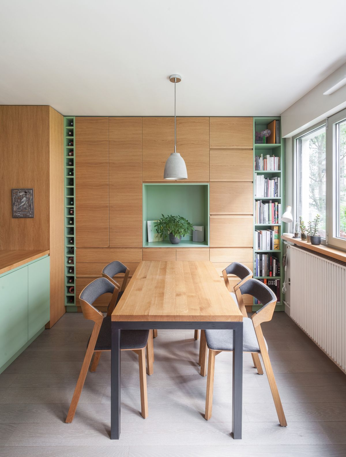a stylish dining room design for a compact apartment