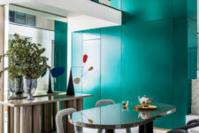04 The dining space is innovative due to the pieces that are used to furnish it – these are bold ones