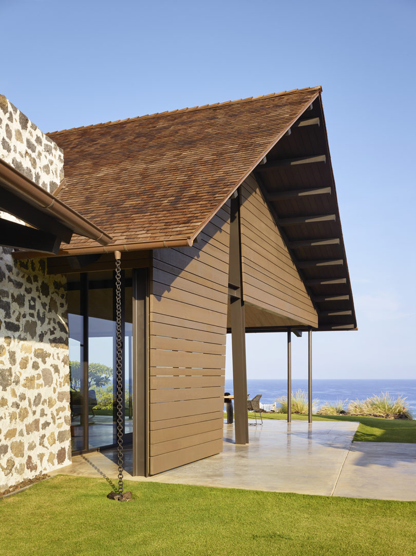 Both indoor and outdoor spaces overlook the sea, and the owners may enjoy these amazing views anytime
