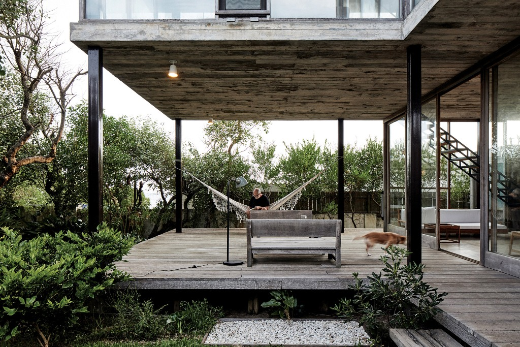 a cool outdoor deck design