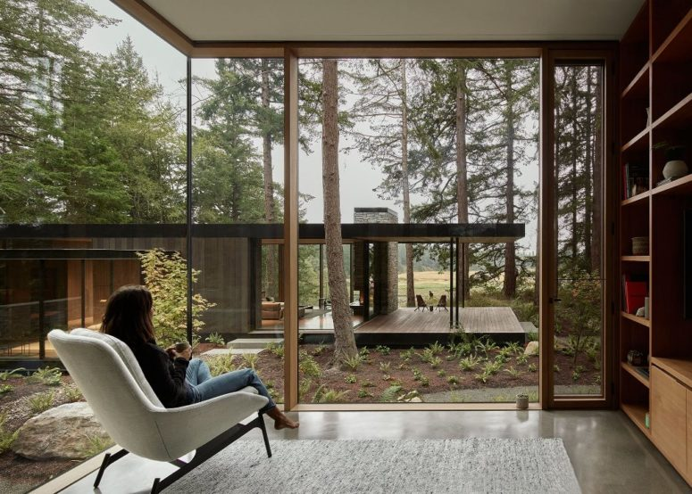 All the spaces can be opened to outdoors completely with sliding doors