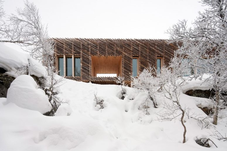 The cabin is very well insulated to withstand harsh weather conditions that are usual for Norway