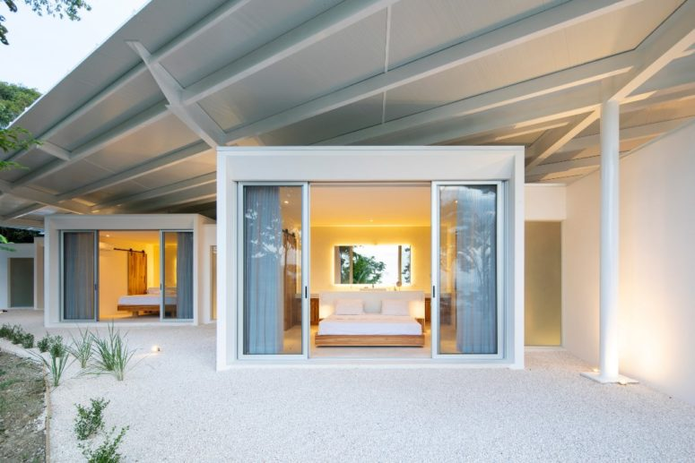 Each bedroom is opened to outdoors with sliding doors