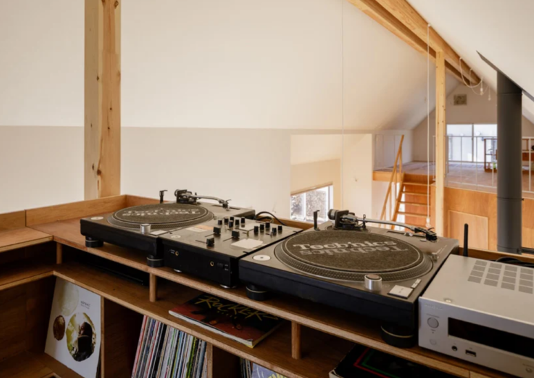 The upper space is a DJ booth, which makes the house cool for parties