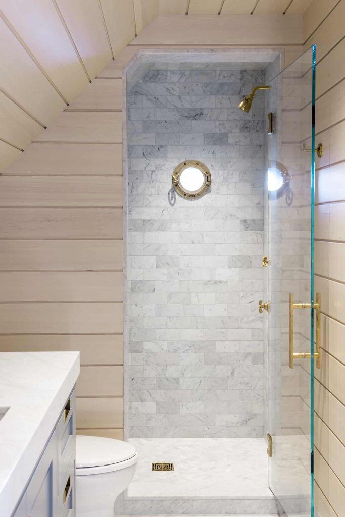 a cute small bathroom design