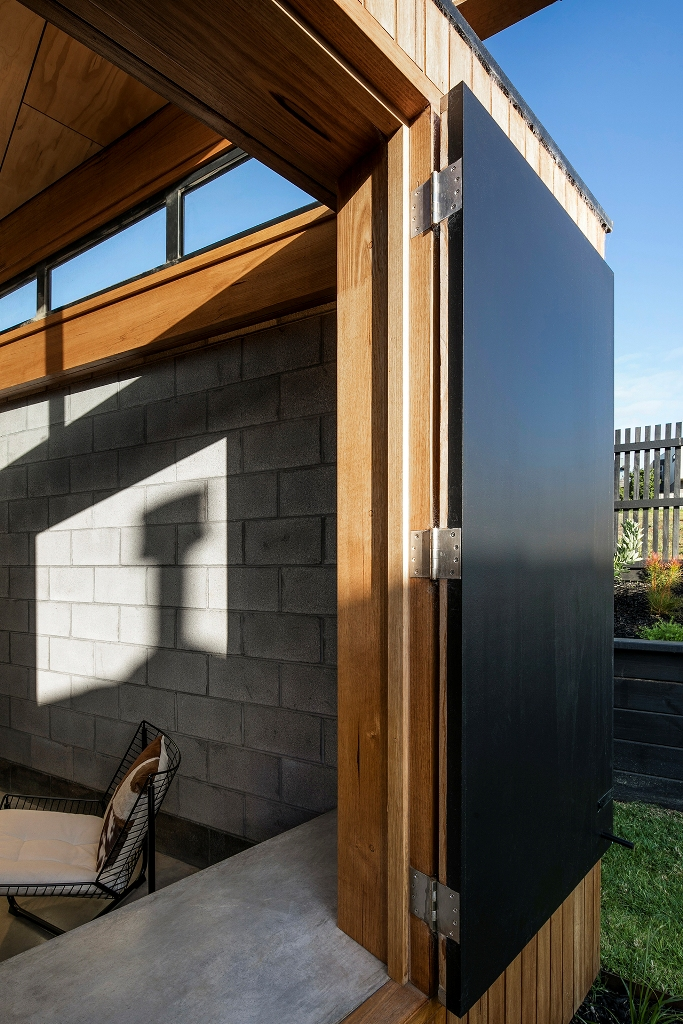 All the spaces can be opened to outdoors with doors - sliding and usual ones