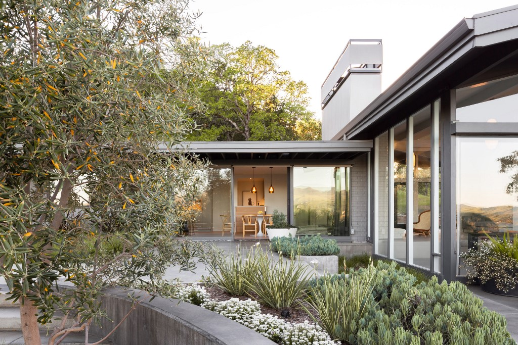 The landscaping is also perfectly done to match the style of the house and its look