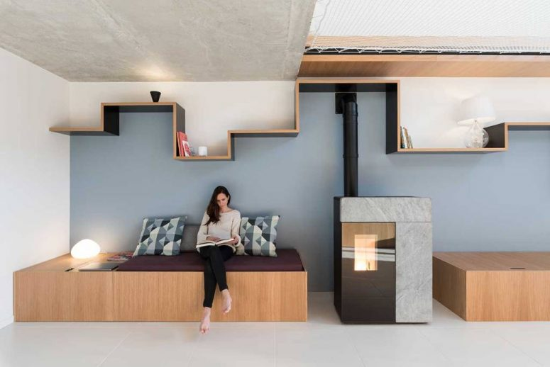 Contemporary Home With A Mezzanine Made Of Net