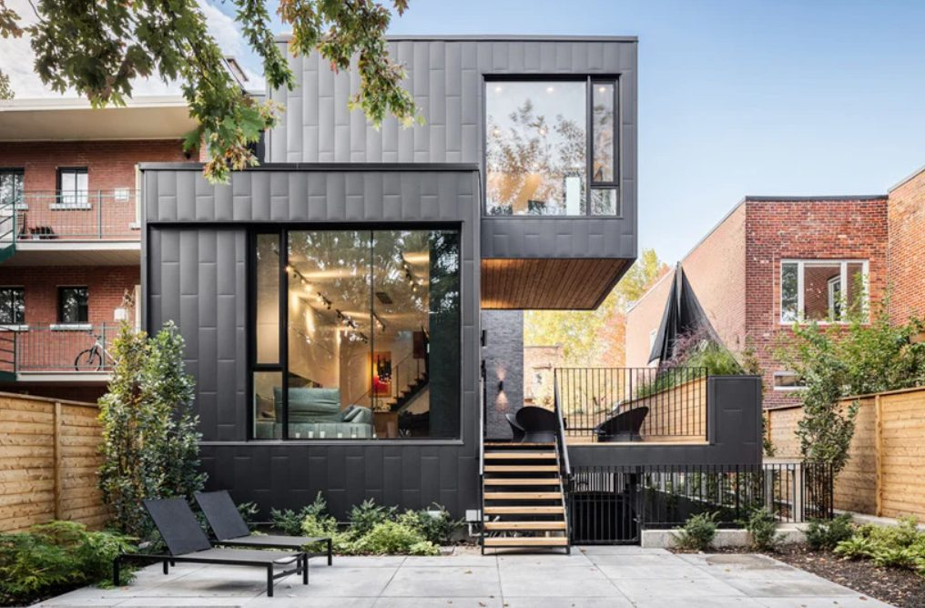 This contemporary townhouse was added to 1880s restoration, and this building is unique