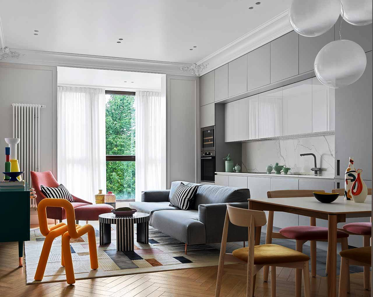This gorgeous contemporary apartment is in Moscow but it's done with a strong Parisian feel