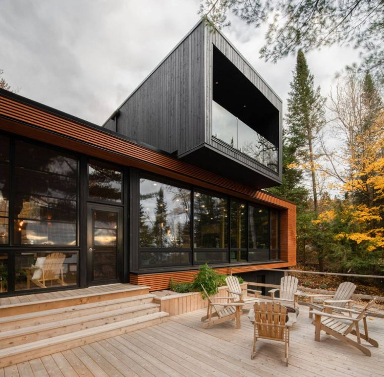 This contemporary house is built of five modules in the forest and looks really impressive