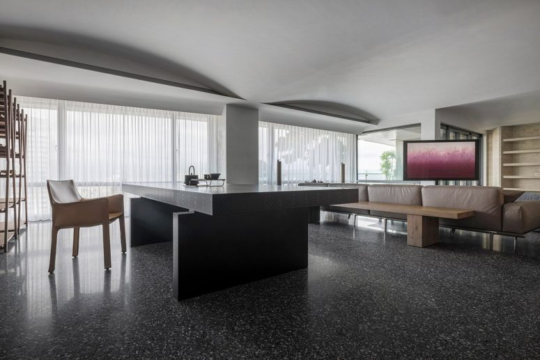 Sculptural Minimalist Apartment Inspired By Flow Of Time