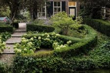 08 Outside there's a garden with much greenery and pure elegance, there's a cozy pond