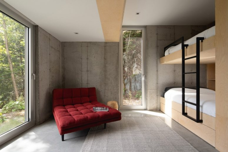 A bunk room on the lower level can sleep 10 guests