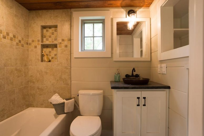 There's another small window in the bathroom for proper ventilation and a bit of natural lighting