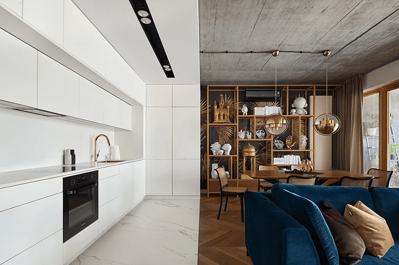 Refined And Chic Geometry Apartment With Shiny Metals