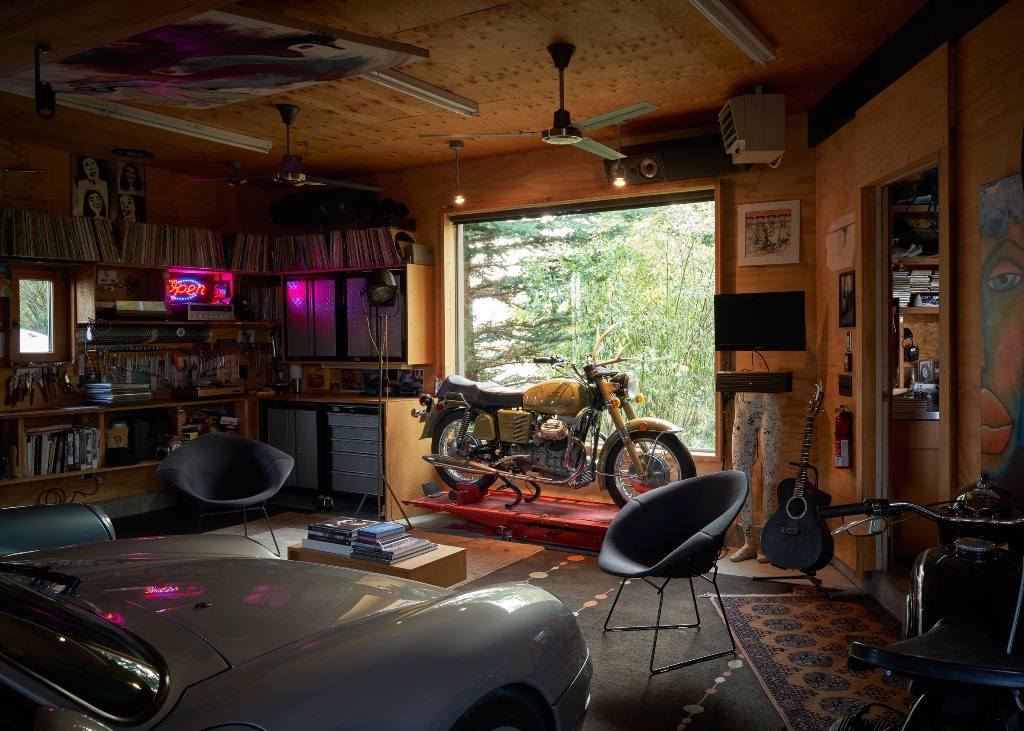 A separate garage houses the architect's collection and various stuff he likes