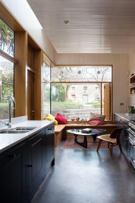 a stylish eat in kitchen design