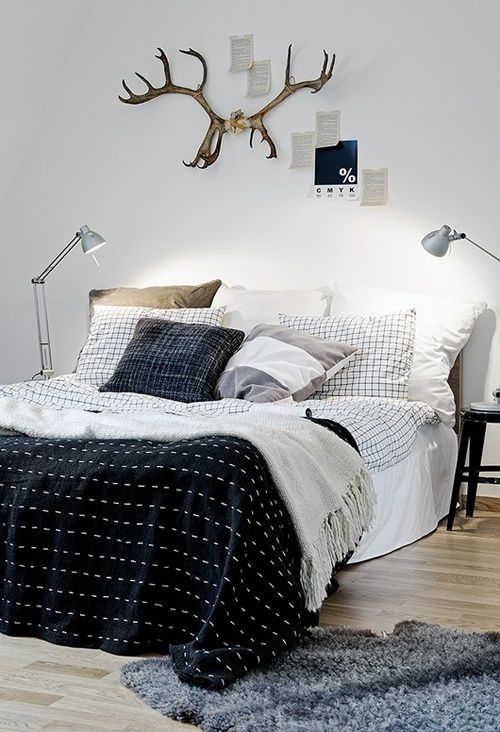 Elegant patterned masculine bedding set